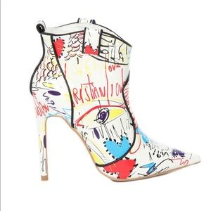 Shoes - Make A Bold Statement w/ these White Printed Boots